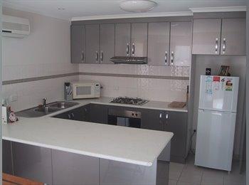 EasyRoommate AU - Double Room Available - Golden Square, Bendigo - $120