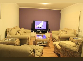 EasyRoommate AU - 1 Double Size Bedroom available for $160pw. - Maribyrnong, Melbourne - $160