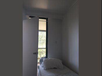 EasyRoommate AU - A single room is available in Anzac Parade - Kingsford, Sydney - $205