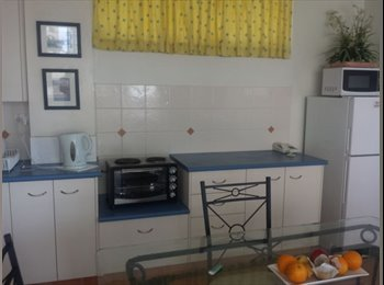 EasyRoommate AU - Fully Furnished Apartment incl. Electricity & Foxt - Surfers Paradise, Gold Coast - $360