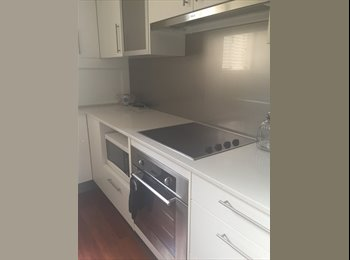 EasyRoommate AU - Room for rent! - Burleigh Heads, Gold Coast - $180