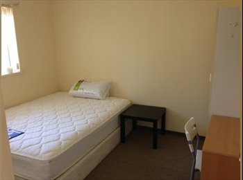 EasyRoommate AU - ROOMS NEXT TO CURTIN UNI N IGA +FREE BUS&INTERNET - Manning, Perth - $170
