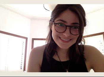 Sara - 20 - Student
