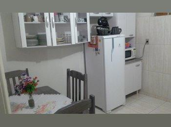 EasyQuarto BR - Divide-se casa - Ponta Grossa, Ponta Grossa - R$450
