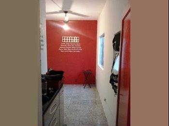 EasyQuarto BR - Quarto maneiro e muito barato - São Cristovão, Rio de Janeiro (Capital) - R$400
