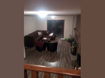 EasyRoommate CA - Room for rent South Central Edmonton newly renovated - Central, Edmonton - $600