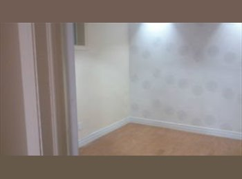 EasyRoommate CA - Sublet a large room near University of Toronto - Chinatown, Toronto - $600