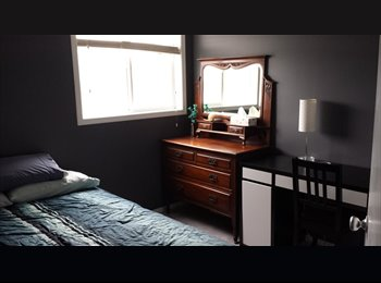 EasyRoommate CA - Looking for Roommate to Share Warm Clothing-Option - Calgary, Calgary - $600