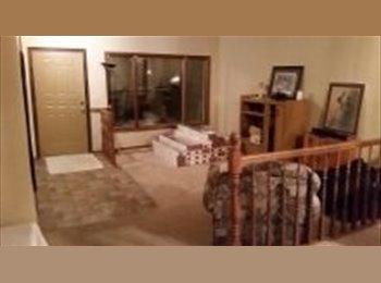 EasyRoommate CA - 3 large bedrooms South end by U of M - St Vital, Winnipeg - $500