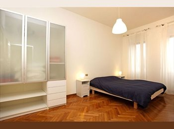 EasyWG CH - Very Energetic lifely room in an apartment. - Centre - Plainpalais - Acacias, Genève / Genf - CHF700
