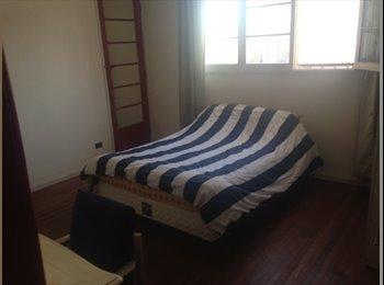 Grande dormitorio a pasos del barrio Italia