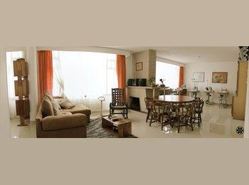 Se Renta Habitación // Room For Rent