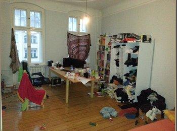 EasyWG DE - Zimmer in 2-er-Wg frei - Charlottenberg, Berlin - €430