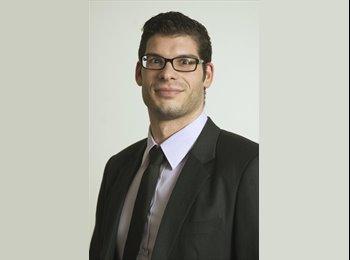Julien  - 29 - Berufstätig
