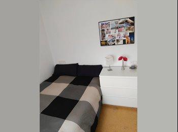 EasyPiso ES - Alquilo habitación a estudiantes - Sarrià-Sant Gervasi, Barcelona - €350