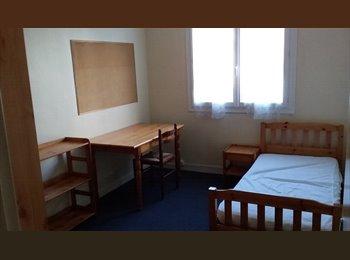 Appartager FR - chambre près de tous les commerces LA HARPE  FAC - Villejean - Beauregard, Rennes - €290