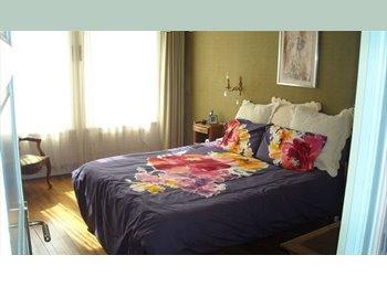 Appartager FR - Chambre meublée dans maison  face à l' UBO - Brest, Brest - €300