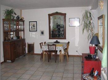 chambre dans une maison avec jardin