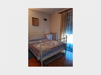 chambre libre dans maison à rosny sous bois