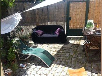 Appartager FR - Loue chambre dans maison avec cour ensoleillée - Reims, Reims - €350