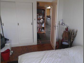 Appartager FR - COLOCATION CHAMBRE MEUBLEE CENTRE VILLE - Dijon, Dijon - €360