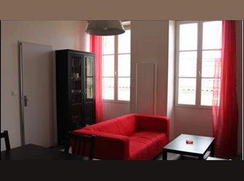 Appartager FR - URGENT cherche colocataire, aux Chartrons - Grand Parc Chartrons, Bordeaux - €450