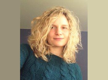 Julie - 24 - Etudiant
