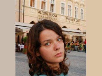 Aline - 26 - Etudiant