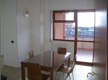 EasyStanza IT - Fittasi camere libere a lavoratori e/o studenti - Picone-Poggiofranco, Bari - €250