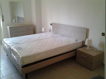EasyStanza IT - stanza doppia o singola - Navigli - Ticinese - Pta Genova - Lorenteggio, Milano - €400