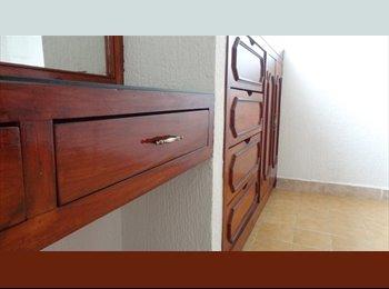 CompartoDepa MX - Habitación para Señorita / Excelente Ambiente - León, León - MX$1400