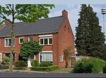 EasyKamer NL - Ruime Kamer dichtbij Centrum; - Enschede, Enschede - €300