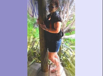 NZ - julia - 30 - Auckland