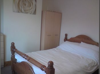 Double Room to rent driveway parking