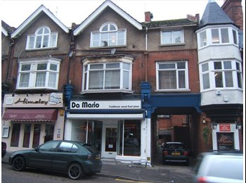 EasyRoommate UK 1 x small single room, central B'mth, only £260 pm - West Cliff, Bournemouth - £260 per month,£60 per week - Image 1