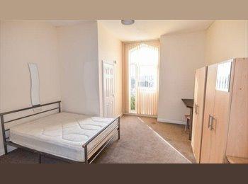 En suite Rooms All Bills Inc - From £75 per week