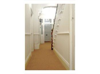 EasyRoommate UK - Student/Professional Luxury Accomodation - South Shields, South Tyneside - £400