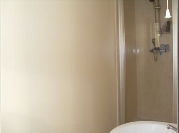 1 small double room in spacious house