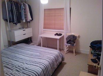 EasyRoommate UK - 2 Large Furnished Double rooms avaliable - Cheltenham, Cheltenham - £400