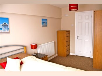 EasyRoommate UK - Beautiful Ensuite Room, 15 mins from City Centre - Chelmsford, Chelmsford - £564