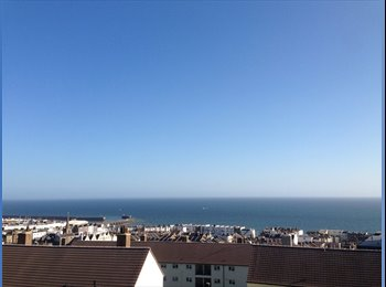 EasyRoommate UK - Double room, fully furnished in flat with sea view - Brighton, Brighton and Hove - £600