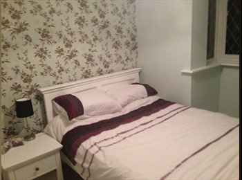 EasyRoommate UK - Furnished Double Room with private bathroom - Easthampstead, Bracknell - £350