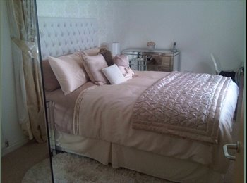 EasyRoommate UK - Lovely Fully Furnished Double Room to Let - Woolwich, London - £500