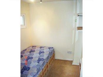 Single Room to Let in Accocks green Birmingham