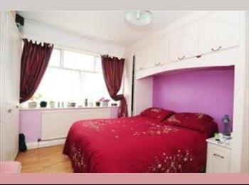 EasyRoommate UK - Lovely double room in Kingston - Tolworth, London - £650