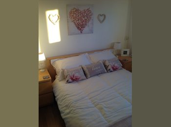 EasyRoommate UK - LARGE DOUBLE BEDROOM FOR RENT, POOLE - *BILLS INCL - Oakdale, Poole - £400