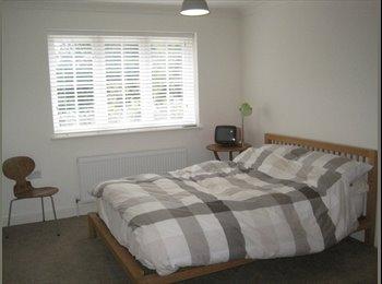 EasyRoommate UK - Double Room in Modern Designer house - Uckfield, Wealden - £500