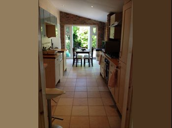 EasyRoommate UK - Room available in lovely house in Cyncoed - Penylan, Cardiff - £400