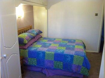 EasyRoommate UK - Large Double Room with En-suite, Ample Parking - Basildon, Basildon - £495