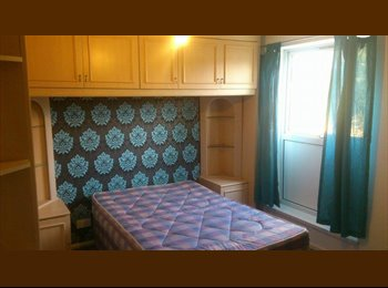 EasyRoommate UK - Double Room - Corby, East Northamptonshire and Corby - £320